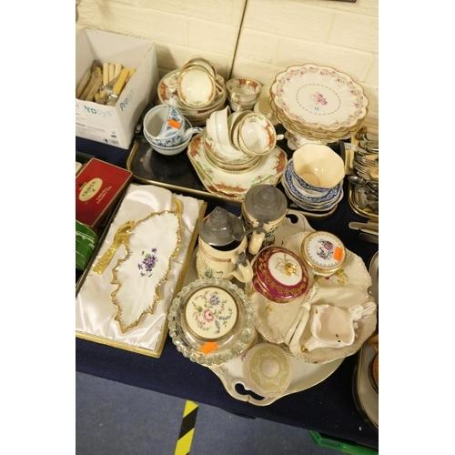 15 - Foley pattern 7850 cake service including cake stand and five plates, Kenware tea wares, Coalport su...
