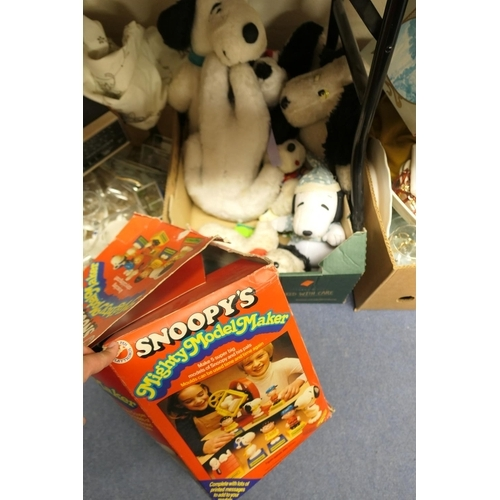 48 - Box of cuddly Snoopy toys; also a Snoopy's boxed Mighty Model Maker...