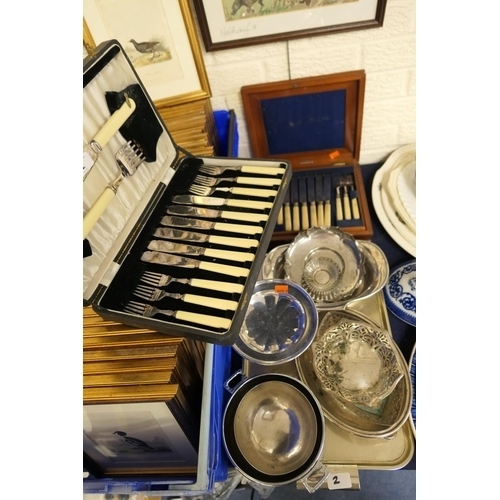 2 - Mixed silver plated wares including cased fish eaters and mahogany cased dessert knives and forks...