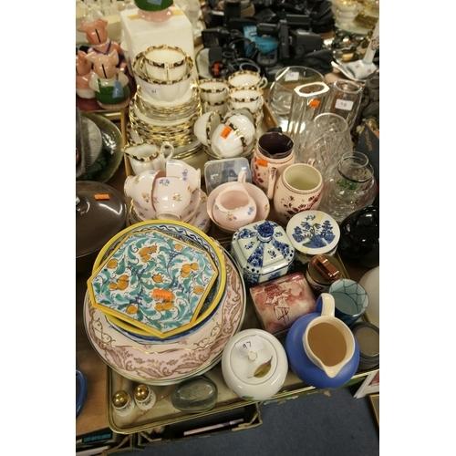 97 - Edwardian china tea service and other mixed ceramics (2 trays)...