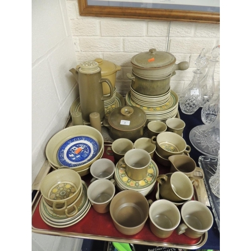 3 - Mixed Franciscan dinner and tea services, further pottery items and a small quantity of blue and whi...