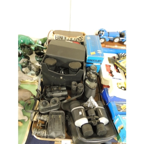 17 - Mixed cased and uncased binoculars