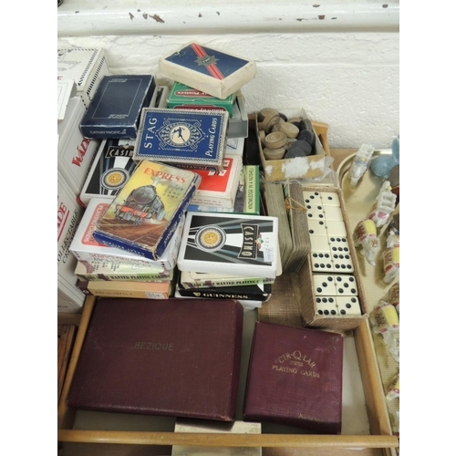 39 - Boxed Bezique playing card and scoreboard set, Waddington's 'Cir-Q-lar' playing cards, further playi...