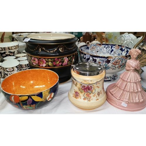 179 - A black and rose patterned large jardinière; a Japan pattern fruit bowl; a Crown Devon biscuit barre...