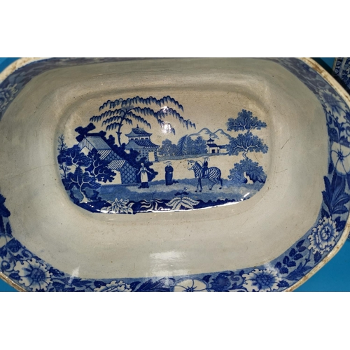 172 - A 19th century blue & white pottery tureen decorated in the zebra pattern, repeated internally, 16