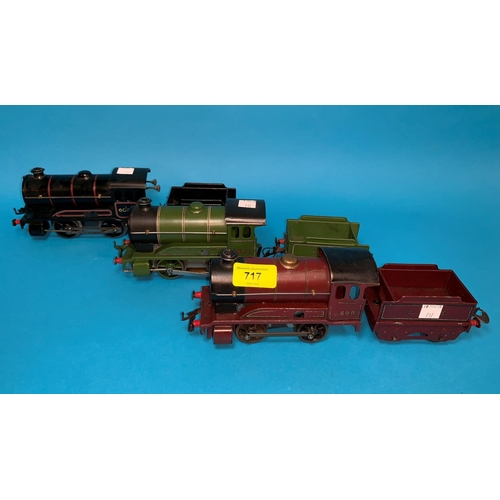 717 - 2 '0' gauge 0-4-0 electric locos with tenders 1842 (green) and 600 (maroon), a clockwork 0-4-0 loco ...