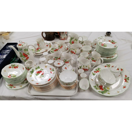 199 - A Queen's bone china dinner and tea service