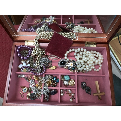 328 - A selection of costume jewellery...