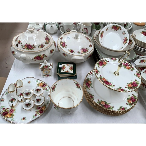 173 - A selection of Royal Albert Old Country Roses, including 2 tier cake stand; clock; menu holders; etc...