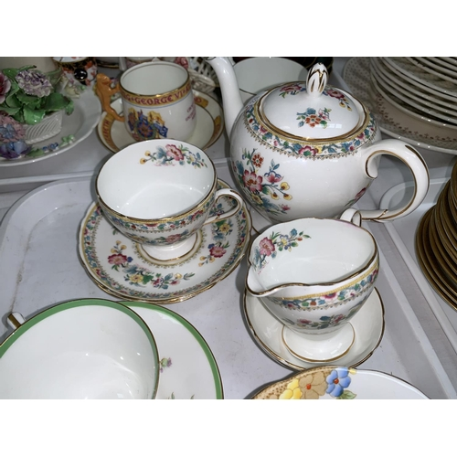 224 - A selection of Royal Doulton