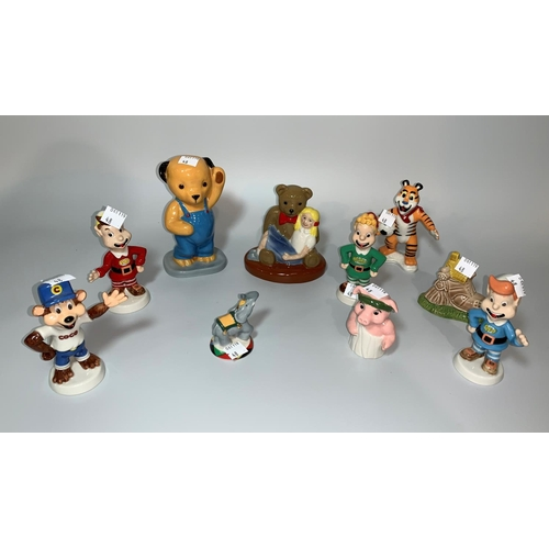 48 - 10 Wade Collector's figures in original boxes:-