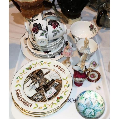 42 - A Royal Albert part tea service, Dusky Rose pattern; 4 Aynsley Christmas plates; decorative china...