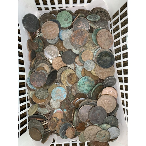 181 - A quantity of metal detector finds from the Channel Islands, over 4 kg...