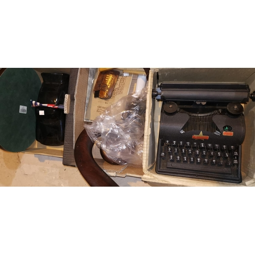 284a - A child's vintage Lilliput typewriter and other collectables...