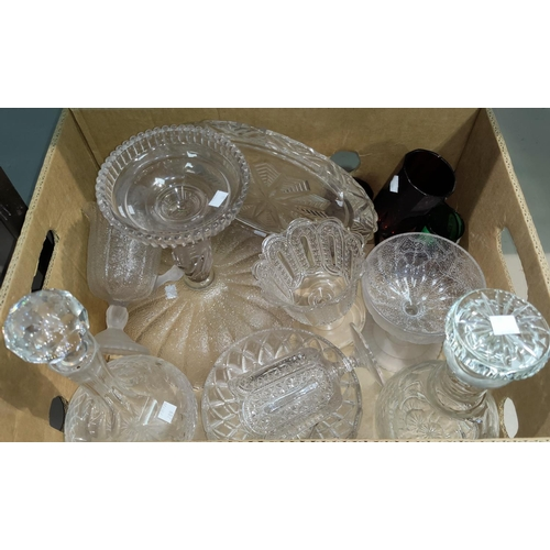 30 - A selection of glassware...