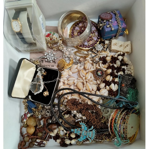 286 - A selection of costume jewellery and coins...