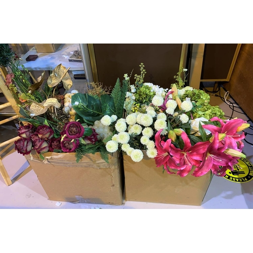 11 - A large quantity of artificial flowers...