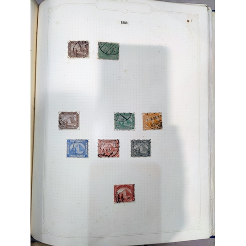 724 - A BRITISH COMMONWEALTH - a collection of stamps in loose-leaf albums...