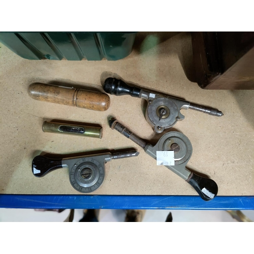 19 - A selection of woodworking tools...