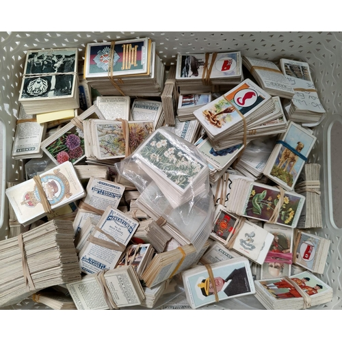 190c - A large selection of part sets of Will, Players etc cigarette cards