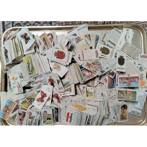 190D - A large selection of loose spares cigarette cards - Wills, Players etc (approx 2000?)...