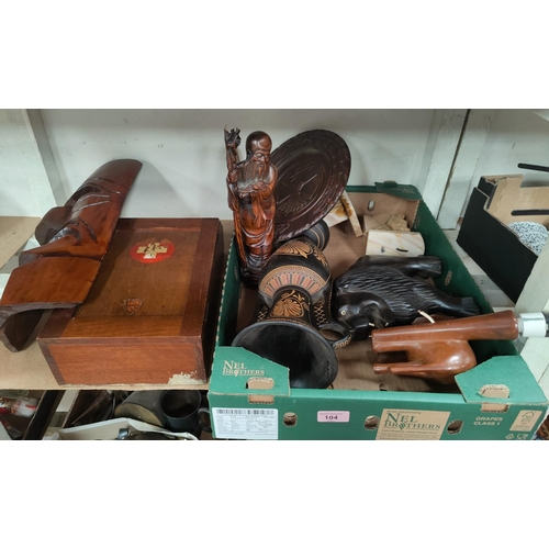 104 - A selection of carved treen and collectables.
