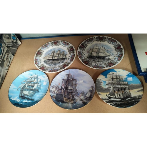 128G - Two tall ships collectors plates, adapted from engravings, three others.