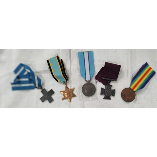 187 - A copy VC, a United Nations Peace Medal, 2 Italian medals, a copy Air Crew Europe Star