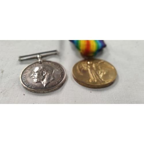 189 - A WWI pair of medals to 87235 GNR. T. Rowe R.A. died 25th April 1918
