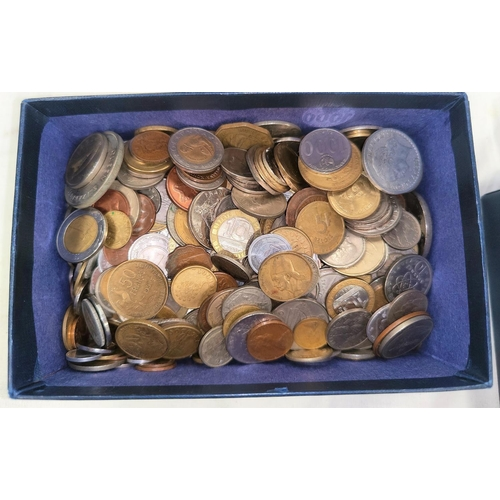 221B - A quantity of world coins, approx.3kg