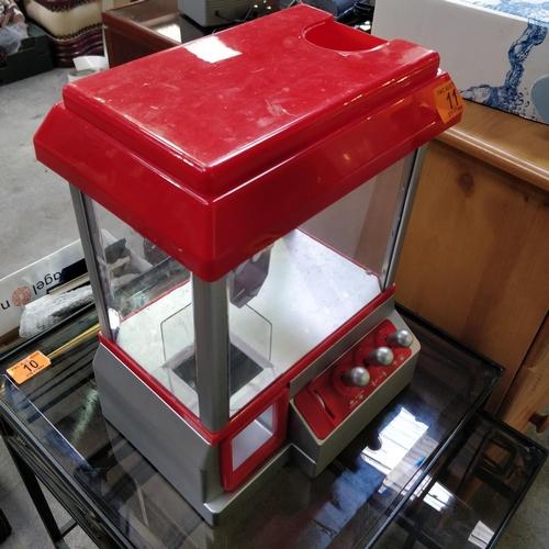 11 - Mini Arcadia Grabber Machine PWO