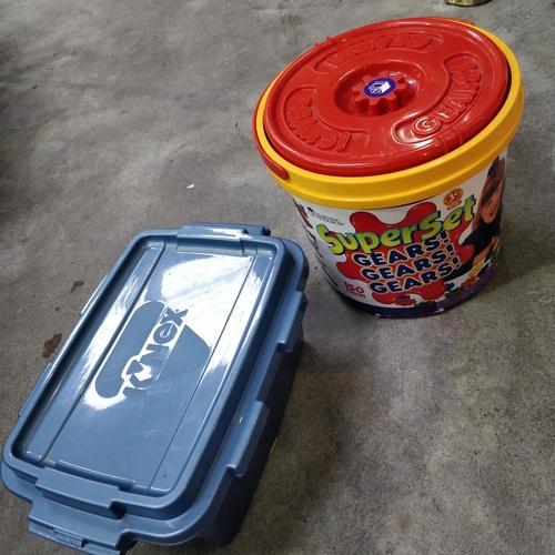 20 - Kinex 15th Anniversary Tub & Gears Tub