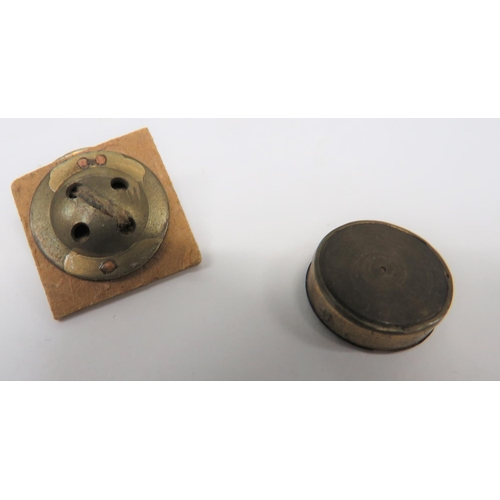 39 - WW2 RAF Escape and Evasion Fly Button Compass two piece, brass fly buttons. The base button with ce...