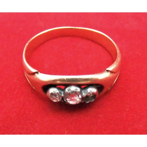 14 - Ladies 18ct yellow gold 3 diamond ring (1 missing)   3.9gm,        size T...