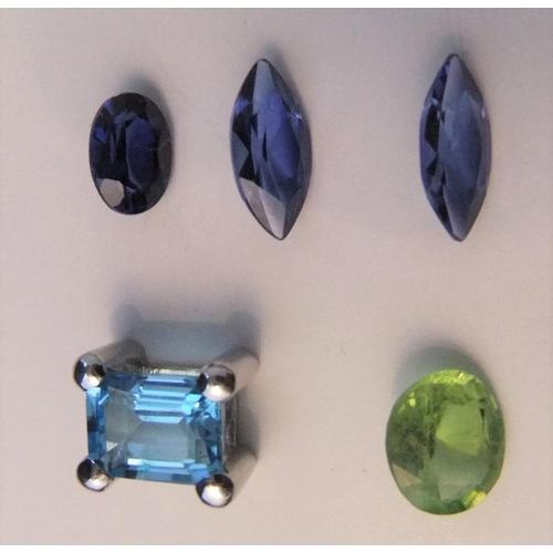 29 - Small collection of semi-prescious stones including, amethyst, emerald etc...