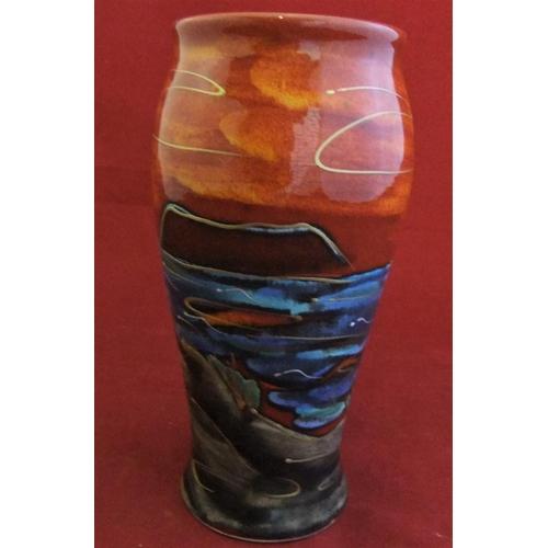 "48 - Anita Harris ""Puffin"" vase, good condition, 18cm high,..."