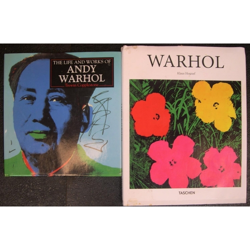 547 - 9 books on Art in the Americas including Who's who in American Art (1959), Painting in Canada, Art i...