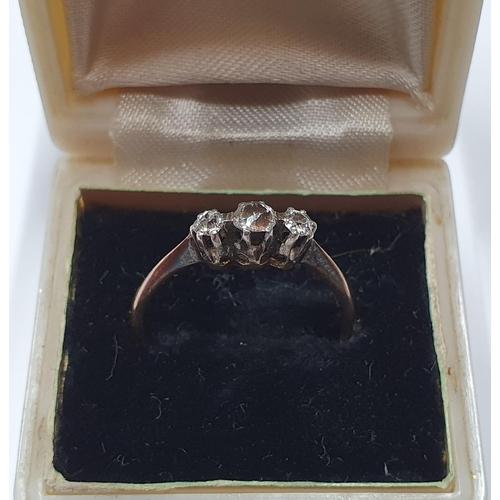 85 - 18ct yellow gold ring with 3 good sized diamonds & in old Belfast jewellers box  Approx 1.9 grams gr...
