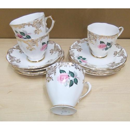147 - Royal Standard bone china part-service - 13 items...