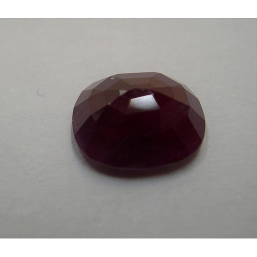 48 - Loose, oval cut red ruby, approx 4ct  approx 10.5 x 9mm...