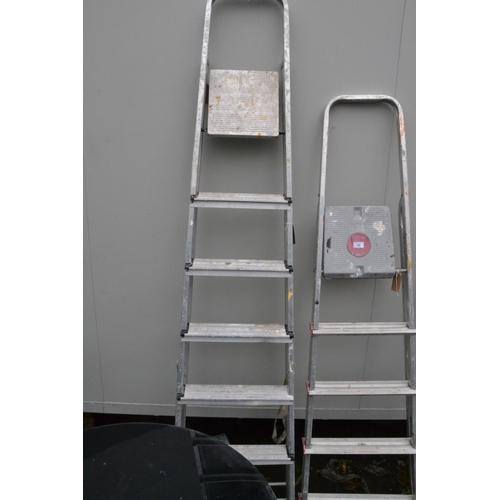 54 - 7-step  step ladder...