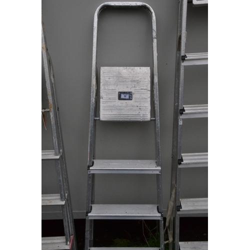 56 - 4 step aluminium step ladder...