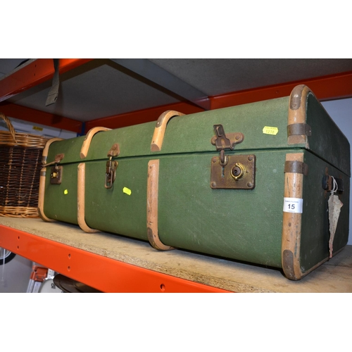 15 - Vintage Wooden Steambent trunk & 2 vintage cages...