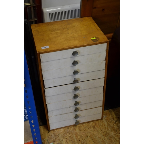32 - Collectors 10 drawer cabinet...