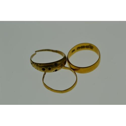 299 - Scrap 22ct gold, 3.4 grams & 15ct gold, 1.26 grams...