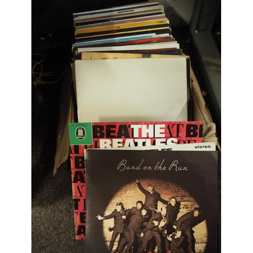 623 - Box of vinyl containing Beatles, Paul McCartney, Fleetwood Mac...