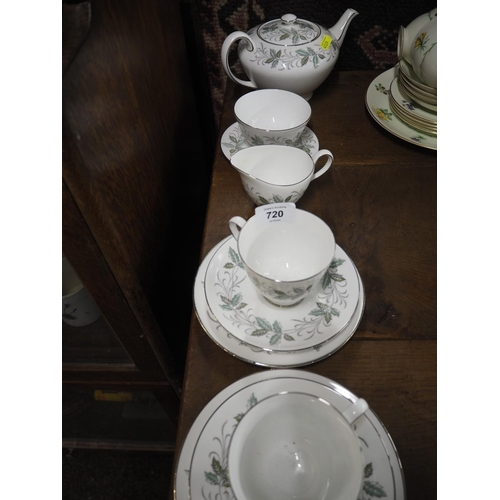 720 - Rondeley pattern Tuscan tea for 2...