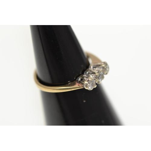314 - 9ct, diamond set trilogy ring, .25carat total. Size I. 1.52g...