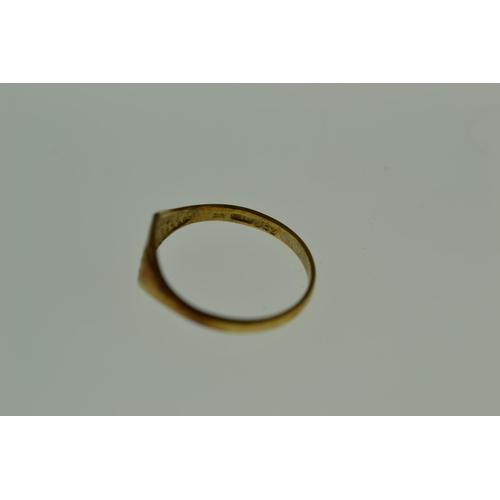 343 - 9ct gold signet ring, 1.04 grams, size K...