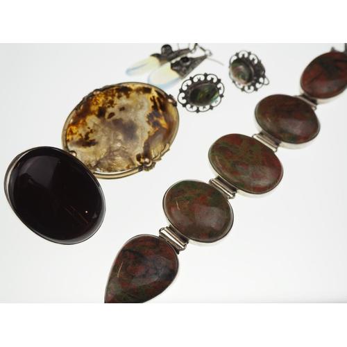 392 - Silver & hardstone set jewellery including bracelet, ring, earrings & brooch...